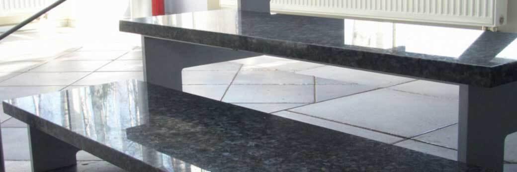 Отделка лестниц и облицовка ступеней камнем в Москве